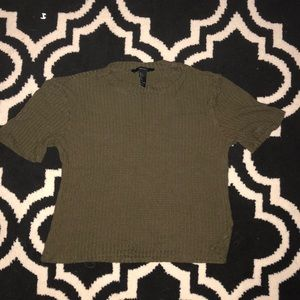A waffle print olive green, cropped T